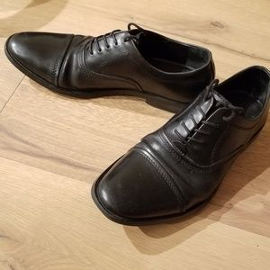 Calvin Klein Men's Lace Up Leather Oxfords